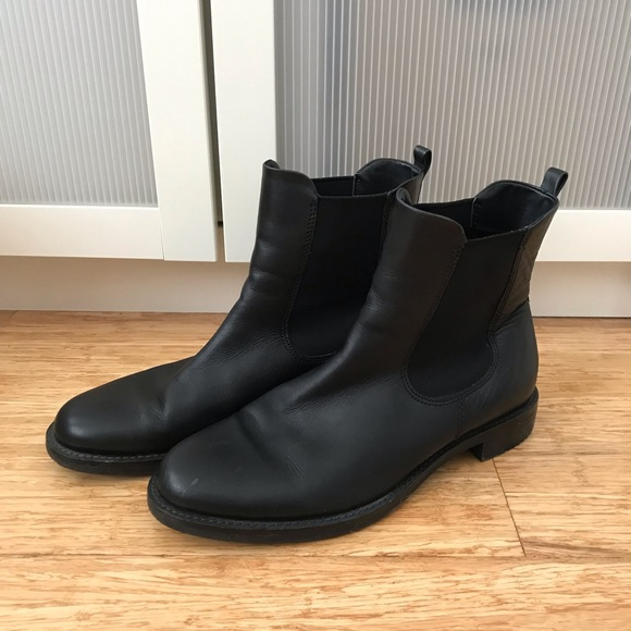 Ecco Shape 25 women's black leather ankle boots